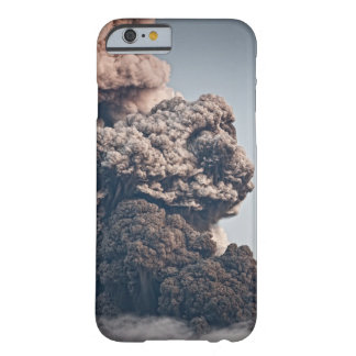 Erupción volcánica de Eyjafjalljokull Funda Barely There iPhone 6
