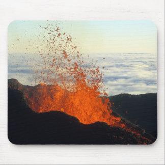Erupción volcánica tapetes de ratón