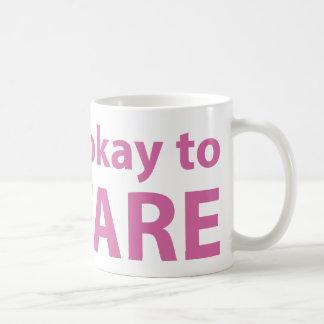 Es aceptable mirar fijamente taza de café
