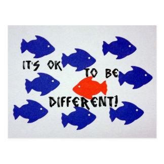 ¡Es aceptable ser diferente! Tarjeta Postal