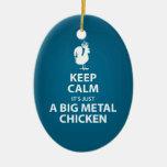 Es apenas un ornamento gigante del pollo del metal ornamento de reyes magos