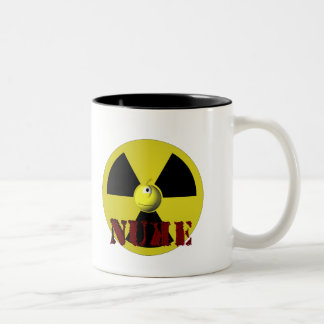¡Es arma nuclear! Taza Dos Tonos