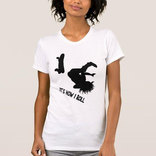 Es cómo ruedo la camisa indicada con letras negra