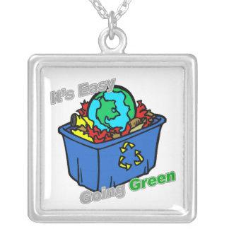 Es el rompecabezas tolerante de la tierra verde joyeria personalizada