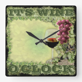 Es en punto del vino reloj cuadrado