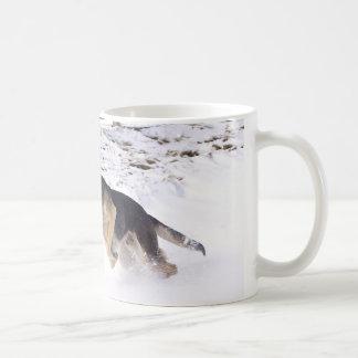 Es exterior frío taza de café