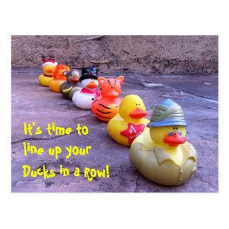 Es hora de alinearse sus patos en una postal de la