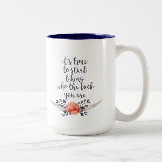 es hora de tenerse gusto taza de café de dos colores