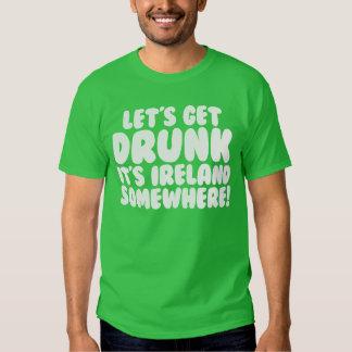 Es irlandés divertido de Irlanda en alguna parte Playeras