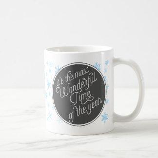 Es la época más maravillosa del año taza básica blanca