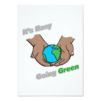 """Es manos verdes tolerantes oscuras invitación 5"""" x 7"""""""