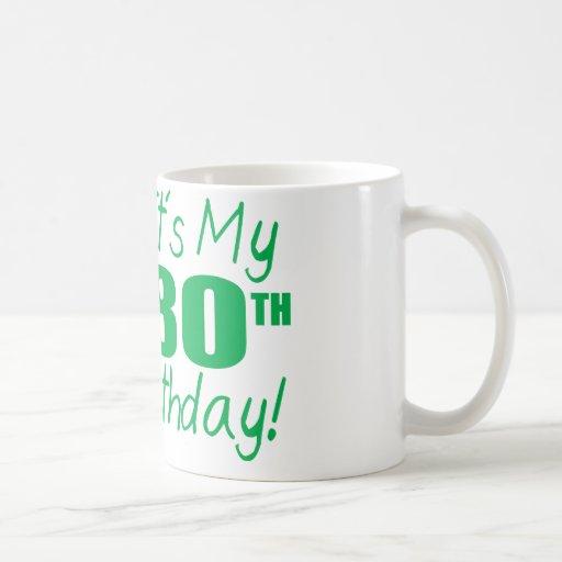 Es mi 80.o cumpleaños (los globos) taza básica blanca
