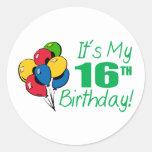 Es mi décimosexto cumpleaños (los globos) etiquetas redondas