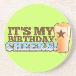 ¡Es mis ALEGRÍAS del cumpleaños! ¡cervezas! Posavasos Para Bebidas