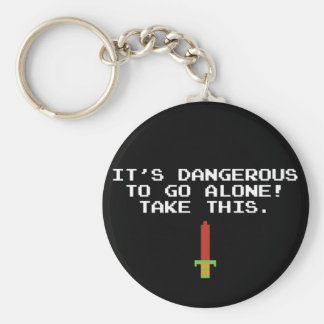 Es peligroso ir solo toma este llavero