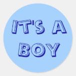 Es sellos de un pegatina del muchacho