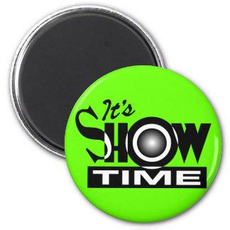 Es Showtime - el decir divertido americano del hum Imán Redondo 5 Cm