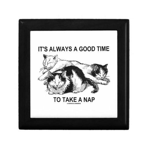 Es siempre un buen rato de tomar una siesta (tres  caja de regalo