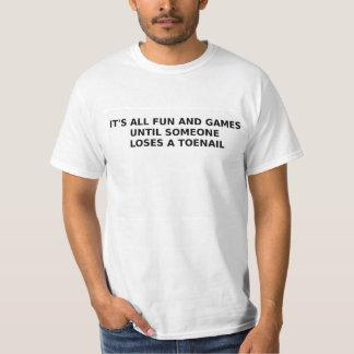 Es toda la diversión y juegos hasta playera