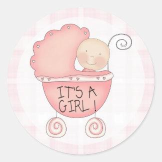 ¡Es un chica! Invitación rosada del cochecillo de Pegatina Redonda