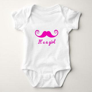 es un diseño del chica con el bigote rosado para body para bebé