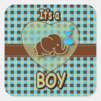 Es un elefante del bebé del muchacho el   el   pegatina cuadrada