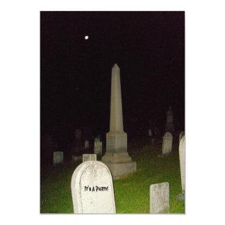"""¡Es un fiesta! - El cementerio Diseño-Invita Invitación 5"""" X 7"""""""
