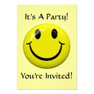 ¡Es un fiesta Invitación feliz de la cara