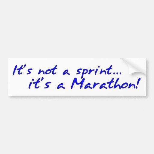 Es un maratón - azul pegatina de parachoque