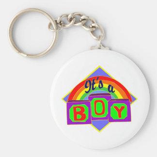 Es un muchacho con colores del arco iris llavero redondo tipo pin