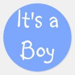 Es un muchacho pegatina redonda