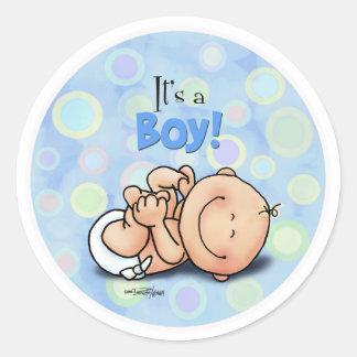 Es un muchacho - pegatinas de la enhorabuena pegatina redonda
