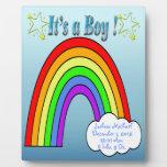 Es un muchacho - placa del recuerdo del arco iris
