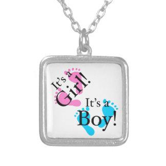 Es un muchacho que es un chica - bebé recién colgante cuadrado