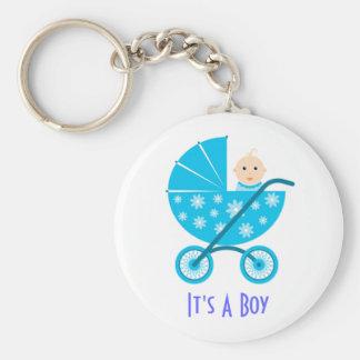 Es un muchacho: Reserva recién nacida del bebé el  Llavero Personalizado