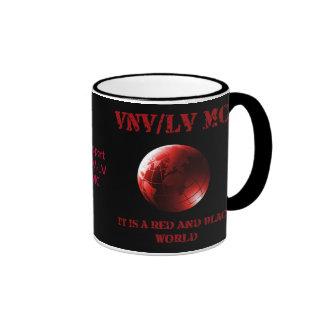 Es un mundial rojo y negro taza
