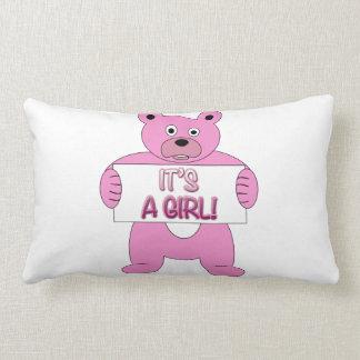 Es un oso del rosa del chica cojin