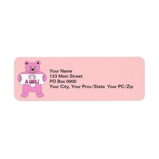 Es un oso del rosa del chica etiquetas de remite