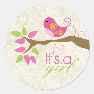 Es un sello del sobre de la invitación del bebé de etiquetas