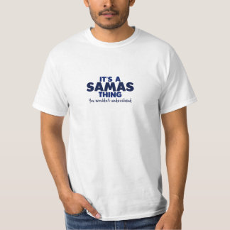Es una camiseta del apellido de la cosa de Samas Polera