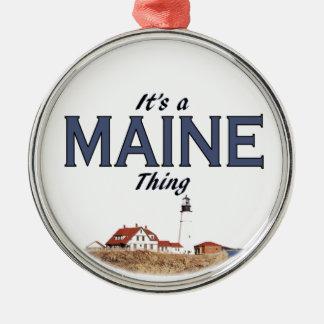Es una cosa de Maine: Ornamento ligero principal Adorno Navideño Redondo De Metal