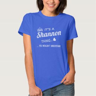 Es una cosa de SHANNON Remeras