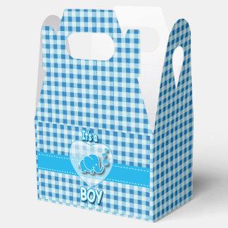 Es una tela escocesa del muchacho, azul y blanca cajas para regalos
