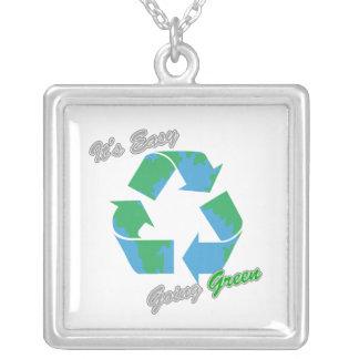 Es verde tolerante recicla el símbolo 2 pendiente personalizado