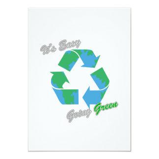 """Es verde tolerante recicla el símbolo 2 invitación 5"""" x 7"""""""