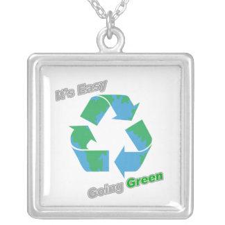 Es verde tolerante recicla símbolo grimpolas