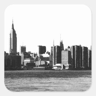 ESB del horizonte de NYC, opinión 001 de East Pegatina Cuadrada