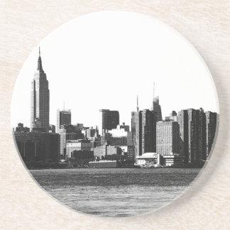 ESB del horizonte de NYC, opinión 001 de East Posavasos Para Bebidas
