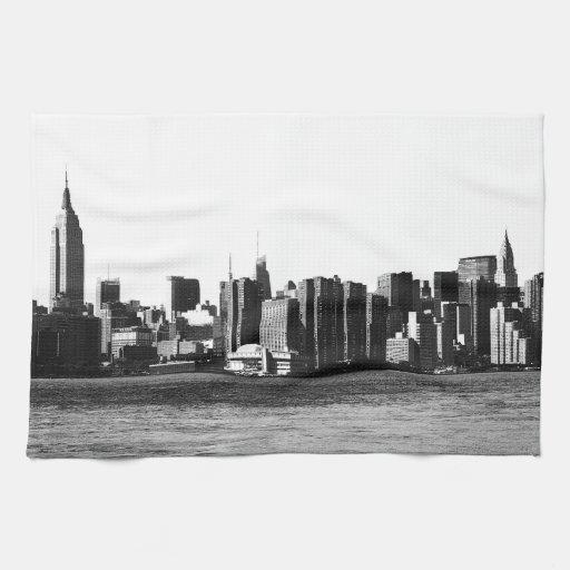 ESB del horizonte de NYC, opinión 001 de East Rive Toalla De Mano