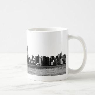 ESB del horizonte de NYC, opinión 001 de East Rive Tazas